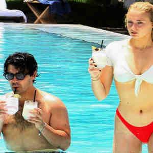 db66c1e9 Joe Jonas y Sophie Turner ya son marido y mujer luego de casarse en Las  Vegas | Telemundo