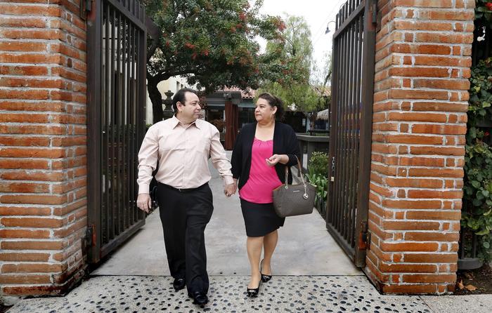 Martín Sánchez está listo para comenzar una nueva vida junto a su esposa María, ya convertido en residente de los Estados Unidos.