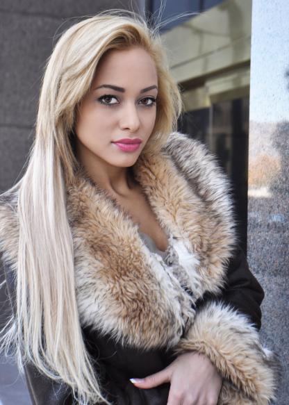 Maday en una foto de modelaje