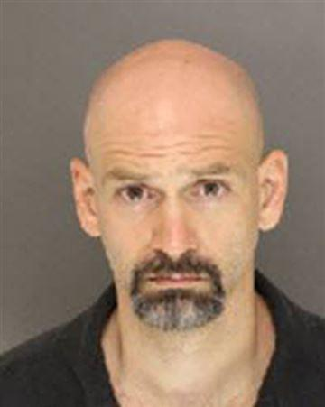 Freeman Scott Ireland, acusado de violación en segundo grado