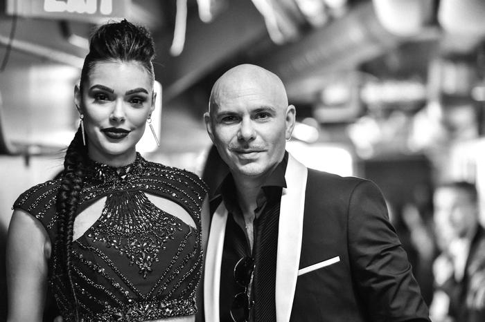 Pitbull backstage Latin AMas