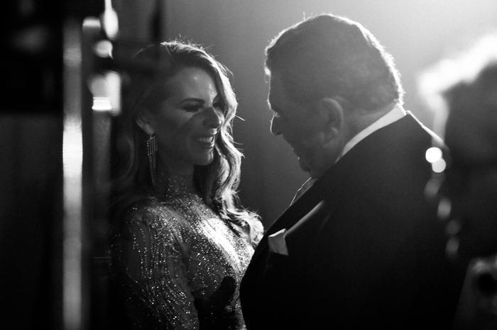 Kate del Castillo y Don Francisco backstage Latin AMAs