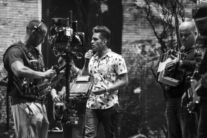 Backstage ensayo de El Dasa en Premios Tu Mundo 2017.