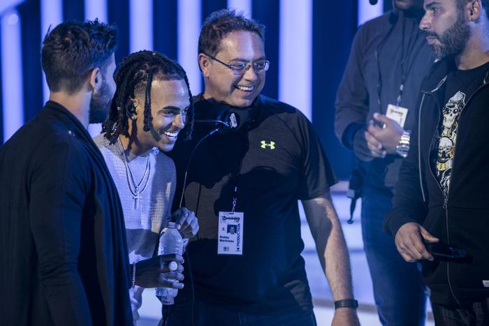 Ozuna en los ensayos de Premios Tu Mundo 2017