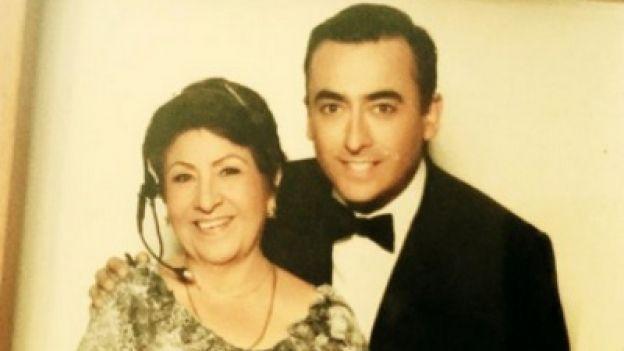 Adal Ramones y su madre