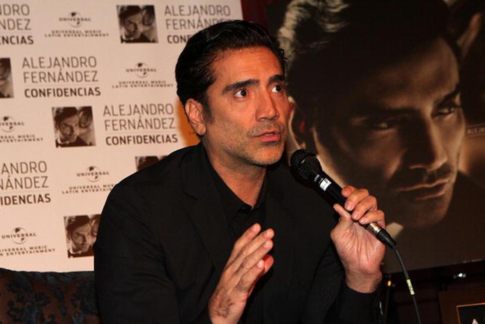 Alejandro Fernández conferencia de prensa Confidencias 2013 en Los Ángeles