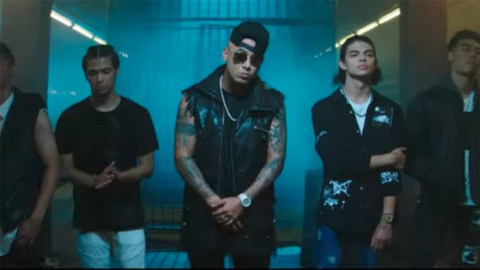 Wisin and his homeboys