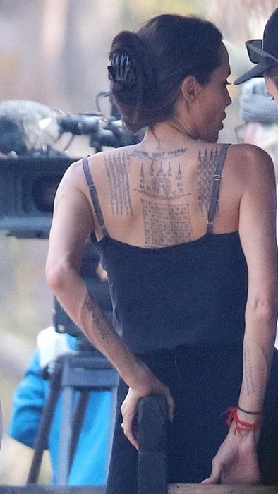 Angelina Jolie exhibe 3 tatuajes nuevos