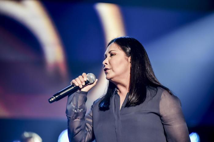 Lucero y Ana Gabriel cantando en los ensayos de Premios Billboard 2015