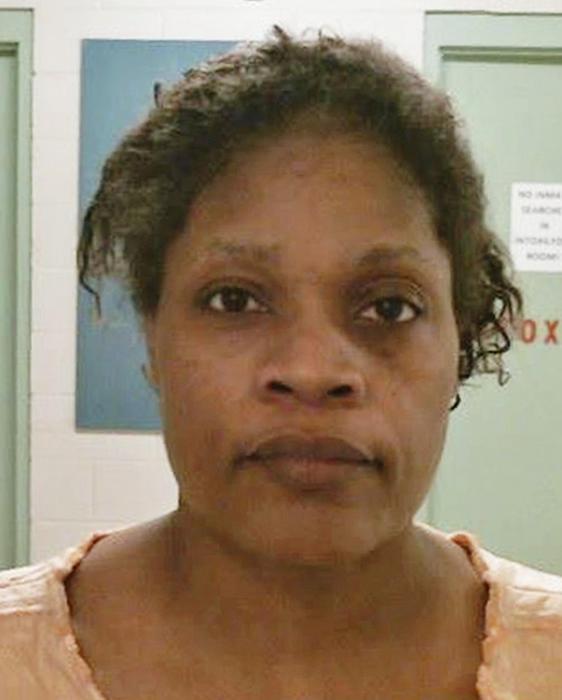 Carolyn Jones fue arrestada el 16 de octubre
