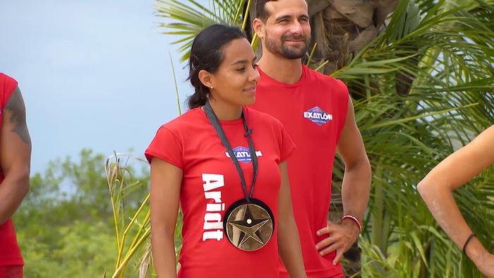 Aridt sonríe con su medalla