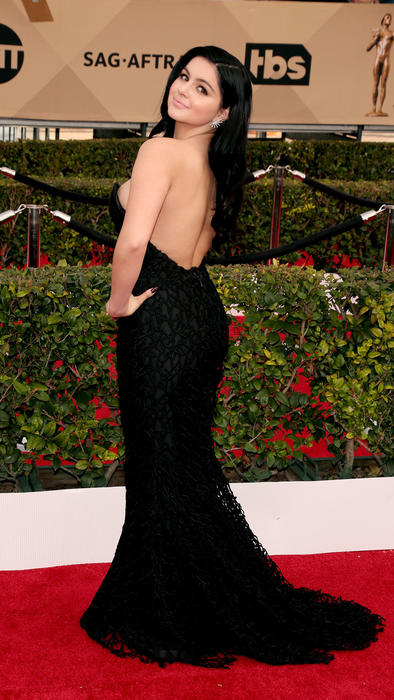 Ariel Winter en la alfombra roja en SAG Awards 2016