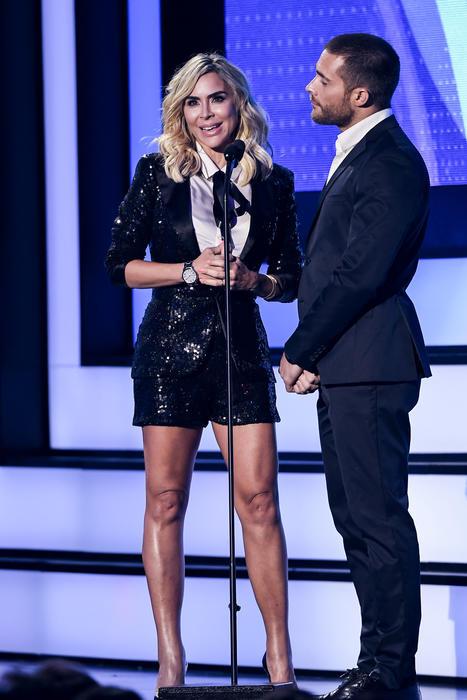 Aylín Mújica y Rodrigo Guirao, presentadores de Premios Tu Mundo 2016