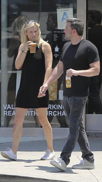 Ben Affleck and Lindsay Shookus Grab Coffee in LA
