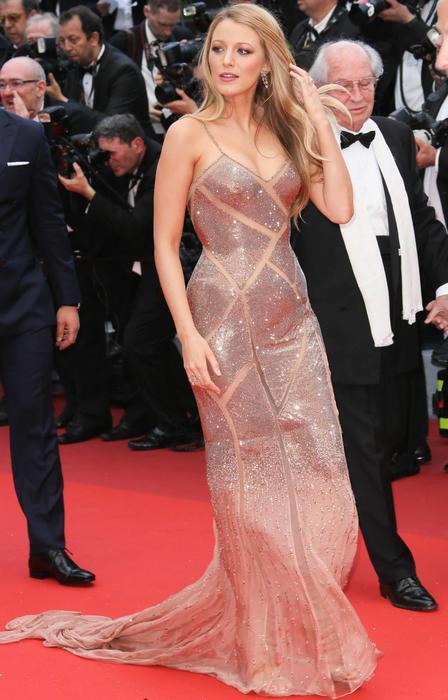 Blake Lively en la alfombra roja de 'Cafe Society' en Cannes 2016