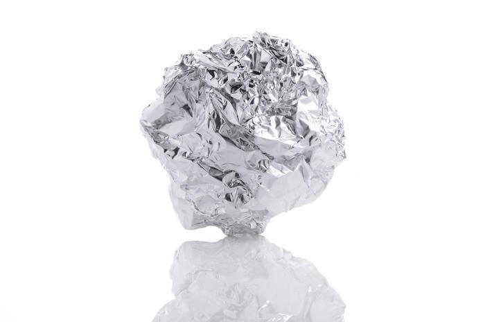Bola de papel aluminio