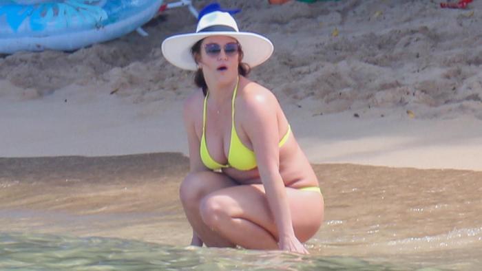Britney Spears con un bikini amarillo de vacaciones en Hawái
