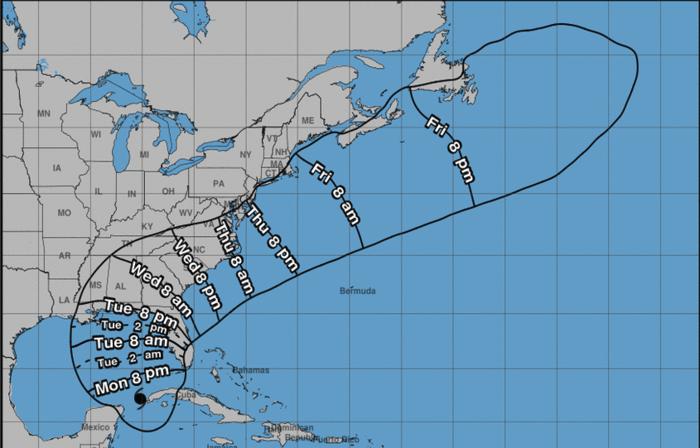 Se espera que el huracán Michael toque la costa oeste de la Florida este miércoles.
