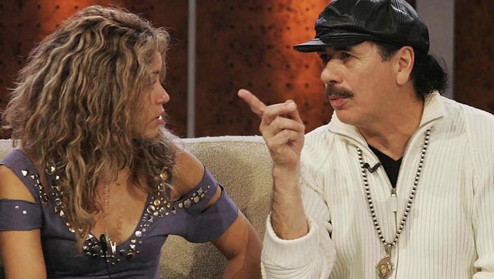 Shakira y Carlos Santana en una entrevista