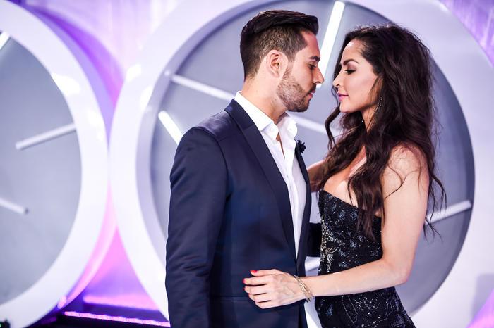Carmen Vilalobos y Sebastián Caicedo, alfombra, Premios Tu Mundo 2016