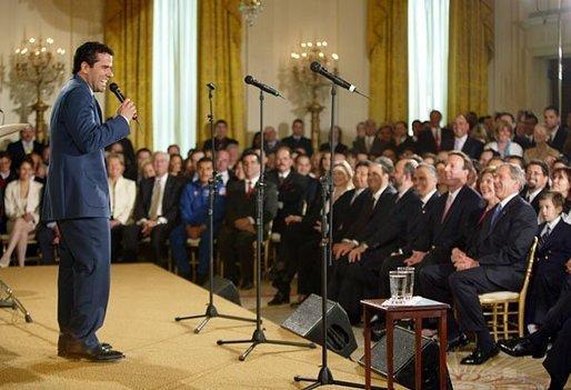 Marco Antonio Regil visitando la Casa Blanca