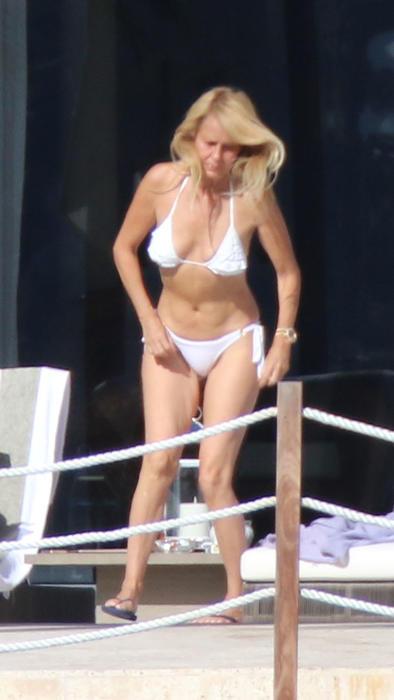 Bolocco Años Entallado Cecilia A 52 Lució Cuerpazo Con Los Bikini dCxBoeQWr