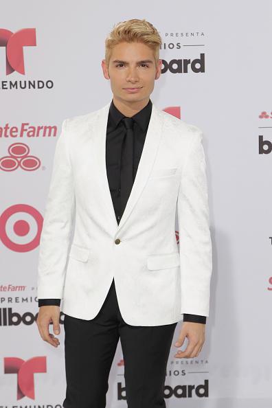 Christian Acosta en la alfombra roja de los Premios Billboard 2015