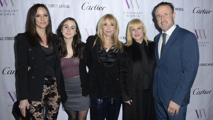 Christina McLarty, Coco Arquette, Rosanna Arquette, Patricia Arquette y David Arquette en un evento de Visionary Women's en marzo de 2019