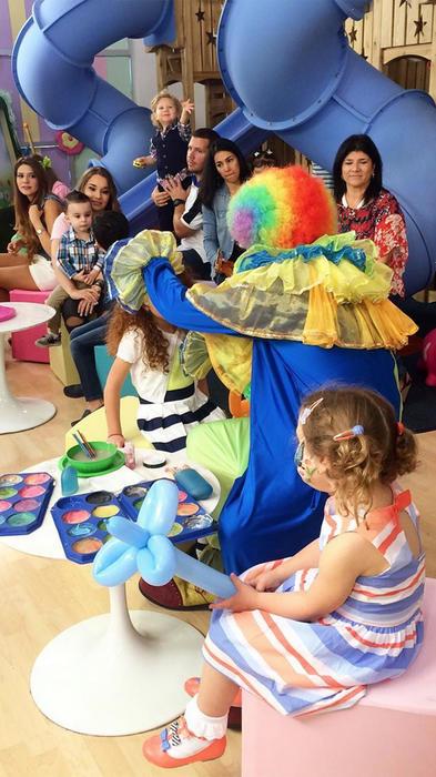 Adamari López y Toni Costa celebran el primer cumpleaños de Alaia