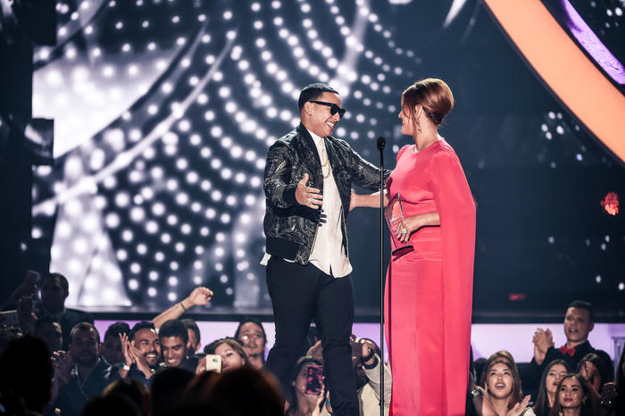 """Daddy Yankee recibe el premio """"Líder de la Industria"""""""