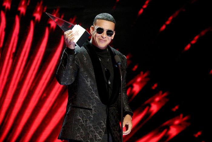 2018 Latin American Music Awards - Show