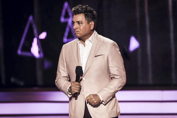 Daniel Sarcos llora al hablar de Venezuela en Premios Tu Mundo 2017.