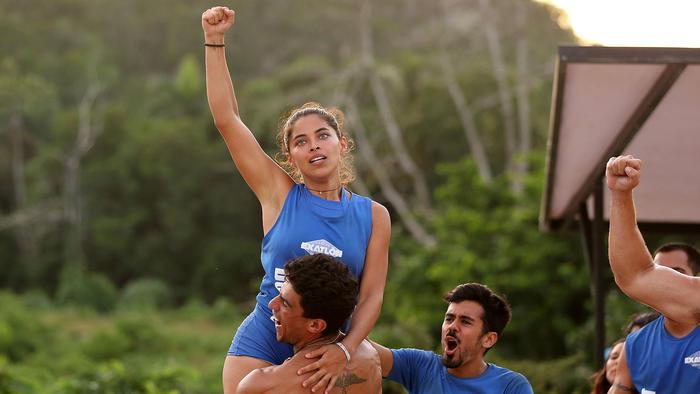 Denisse Novoa festeja triunfo en brazos
