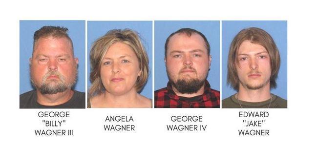 Los cuatro miembros de la familia Wagne detenidos este martes.