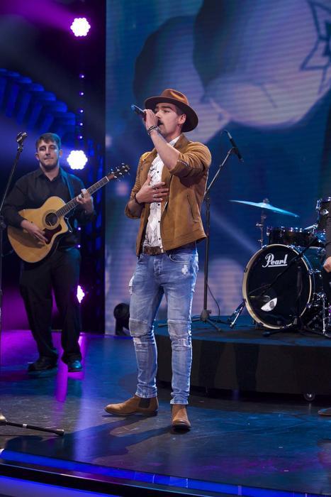 Michel Duval cantando en Don Francisco Te Invita