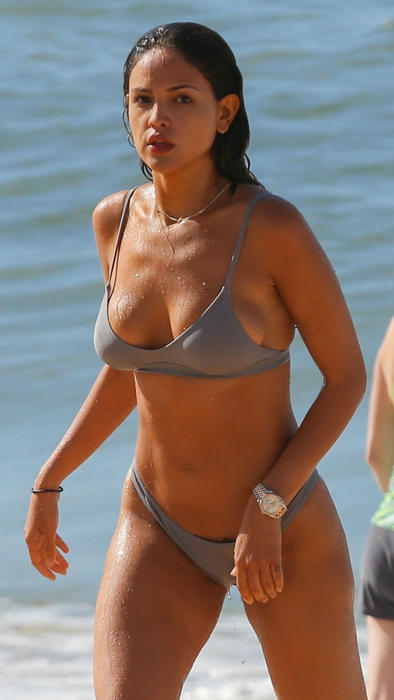 046c084c0b02 Eiza González se puso bikini y enseñó el sexy tatuaje que tiene ...