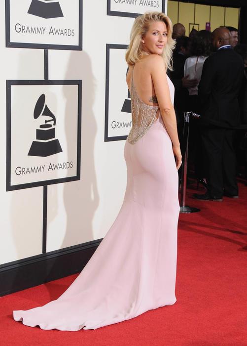 Ellie Goulding posando en la ceremonia de los premios Grammy 2016