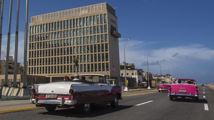 Embajada de EEUU en el malecon de la La Habana, Cuba.