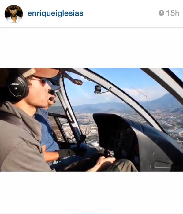 Enrique Iglesias como piloto