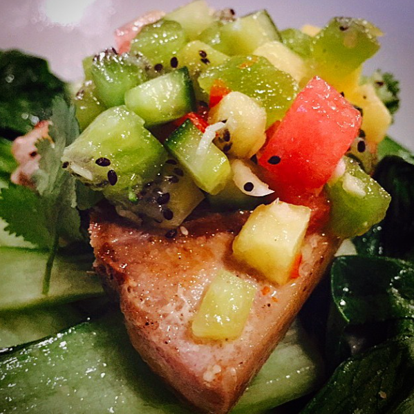 ensalada y pollo de sam smith en su instagram