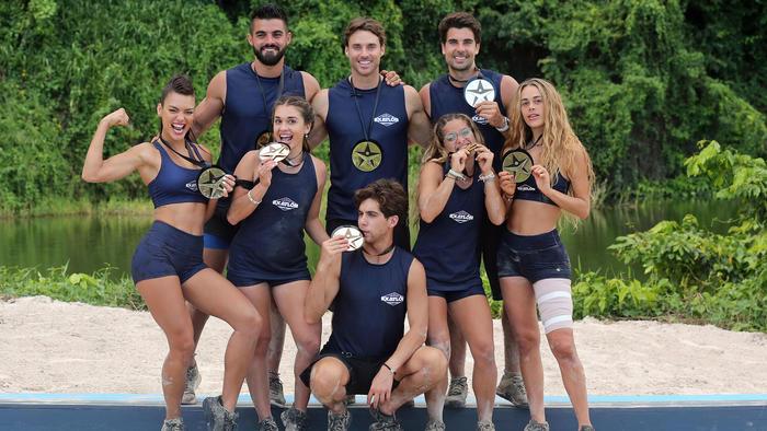Equipo ganador de Especial Exatlón presume su medalla
