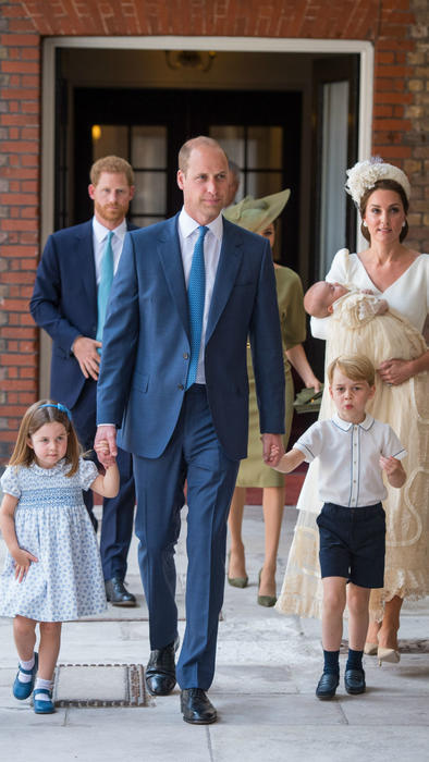 Familia real en el bautizo del príncipe Louis