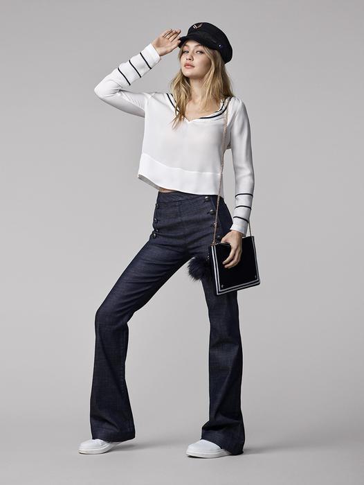 Gigi Hadid modela ropa de la colección GigiXTommy