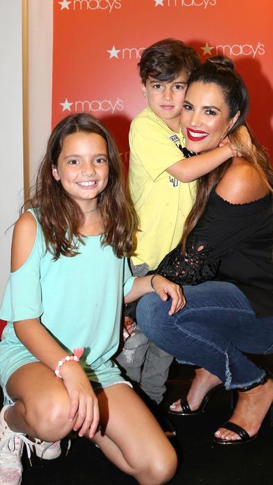 Gaby Espino y sus dos hijos
