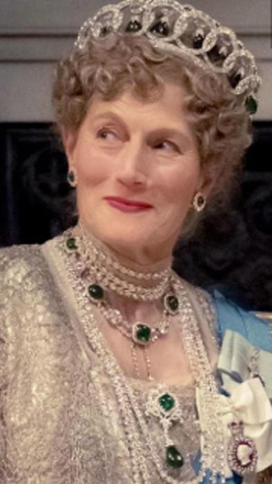Geraldine James en personaje de reina Mary