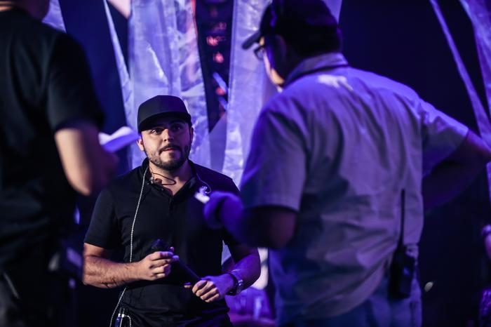 Gerardo Ortíz y Tony Mojena ensayos Premios Billboard 2016