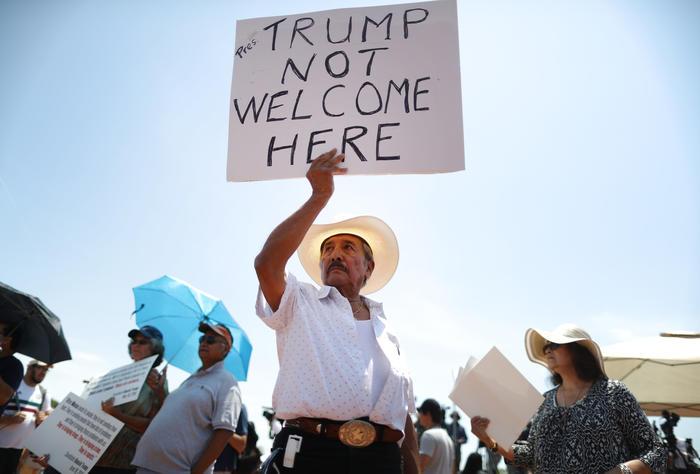 Protesta en El Paso por visita de Trump