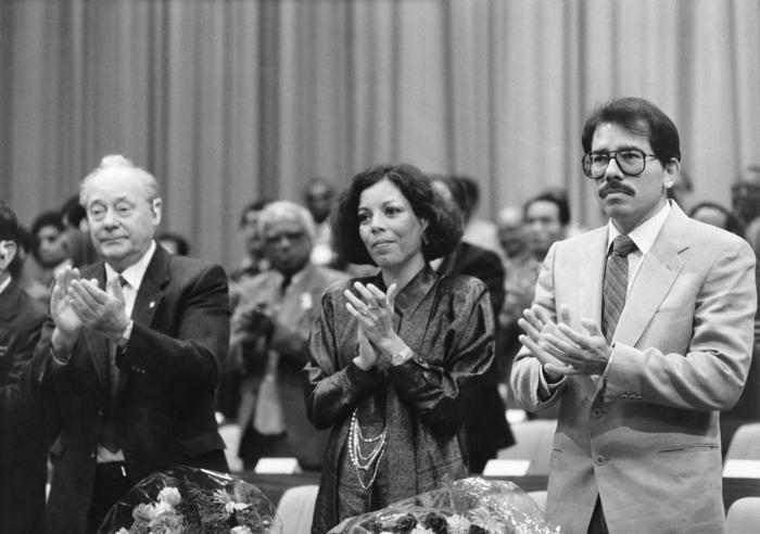 Abren mesas de votación en Nicaragua con Ortega como favorito a reelección