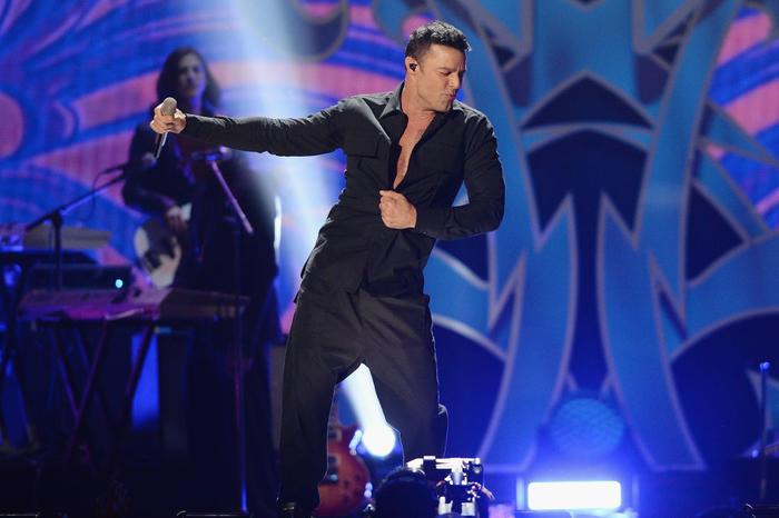 Ricky Martin canta Vente Pa´Cá en iHeartRadio Fiesta Latina 2017.