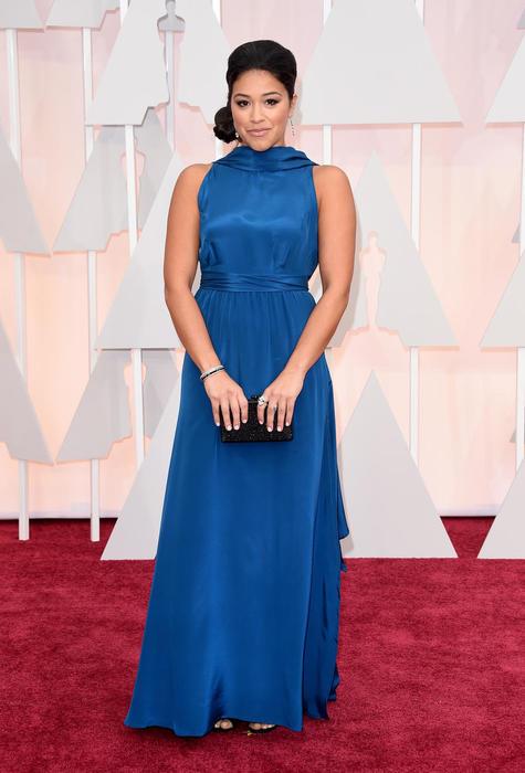 Gina Rodríguez en la alfombra roja de los premios Oscar 2015